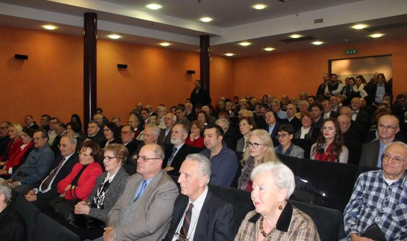 """Predstavljena spomenica """"Služenje crkvi i narodu – dr. Lav Znidarčić 1918. – 2018."""""""