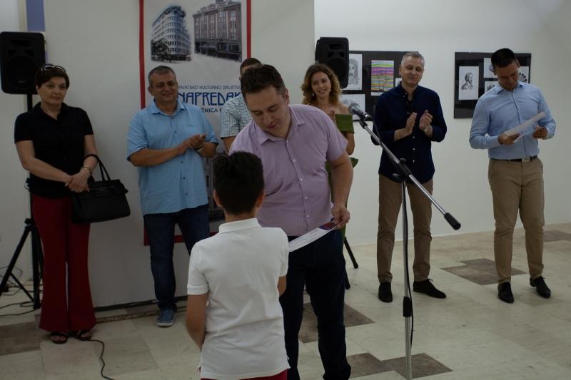 U Mostaru otvorena izložba polaznika Napretkovog tečaja crtanja i dizajna